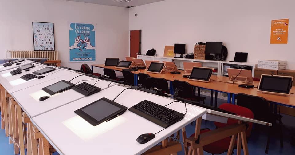 Lanimea-ECOLE-salle-de-cours